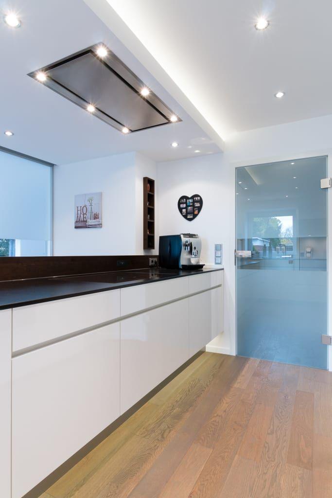 Moderne Küche Bilder Kochinsel mit Deckenlüfter Inspiration and - moderne kuche