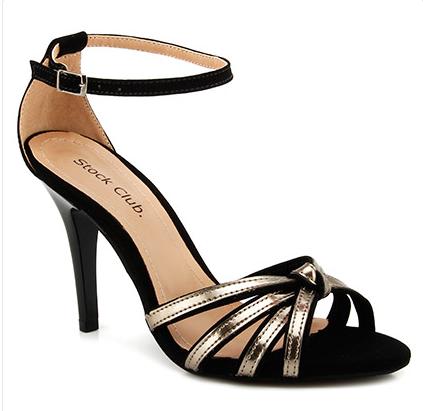 935ae731d2 Sandália Feminina Tiras Nó Stock Club. Encontre este Pin e muitos outros na  pasta calçados de ...