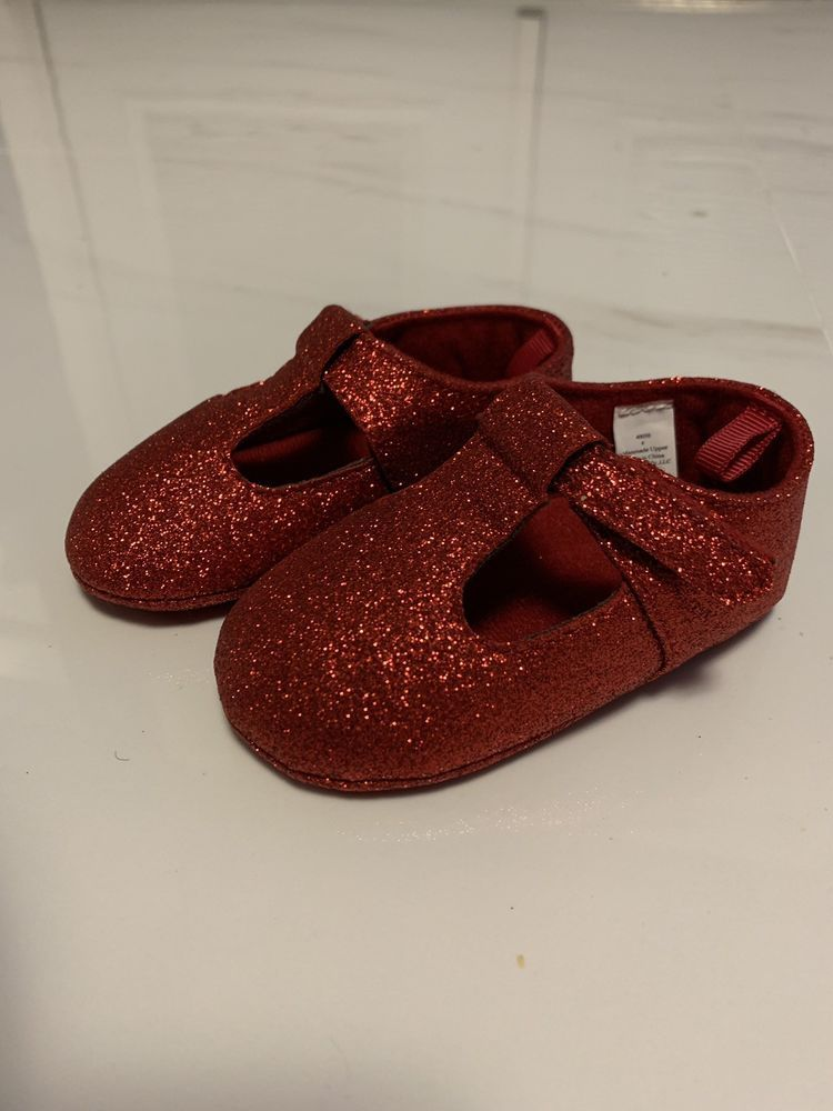 Baby Girl Red Glitter Shoes Size 4 - No
