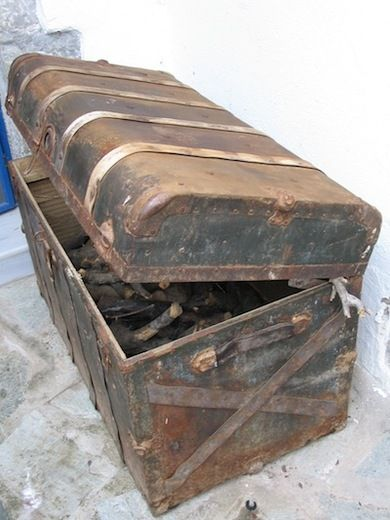 Old Storage Trunks As Wood Storage  Actually Have A Bunch Of These So Gotta  Try