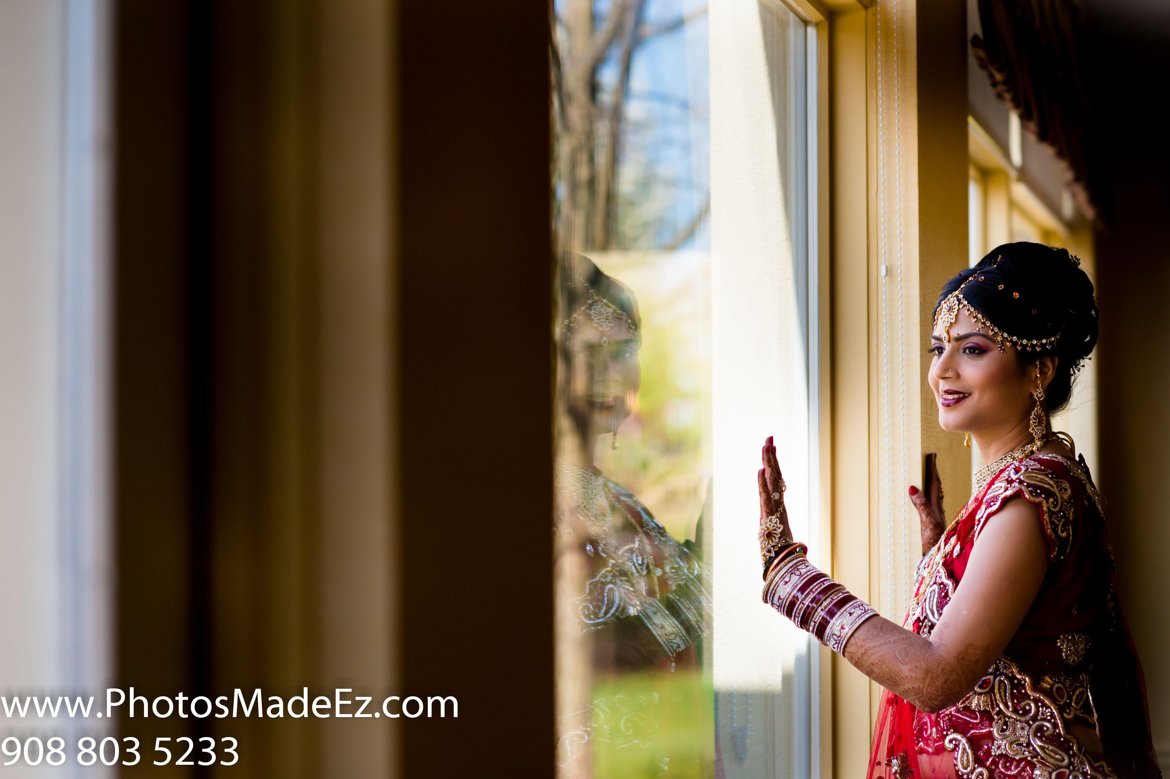 Gujarati Bride in Gujarati Wedding in NJ. Getting Ready in Hilton ...