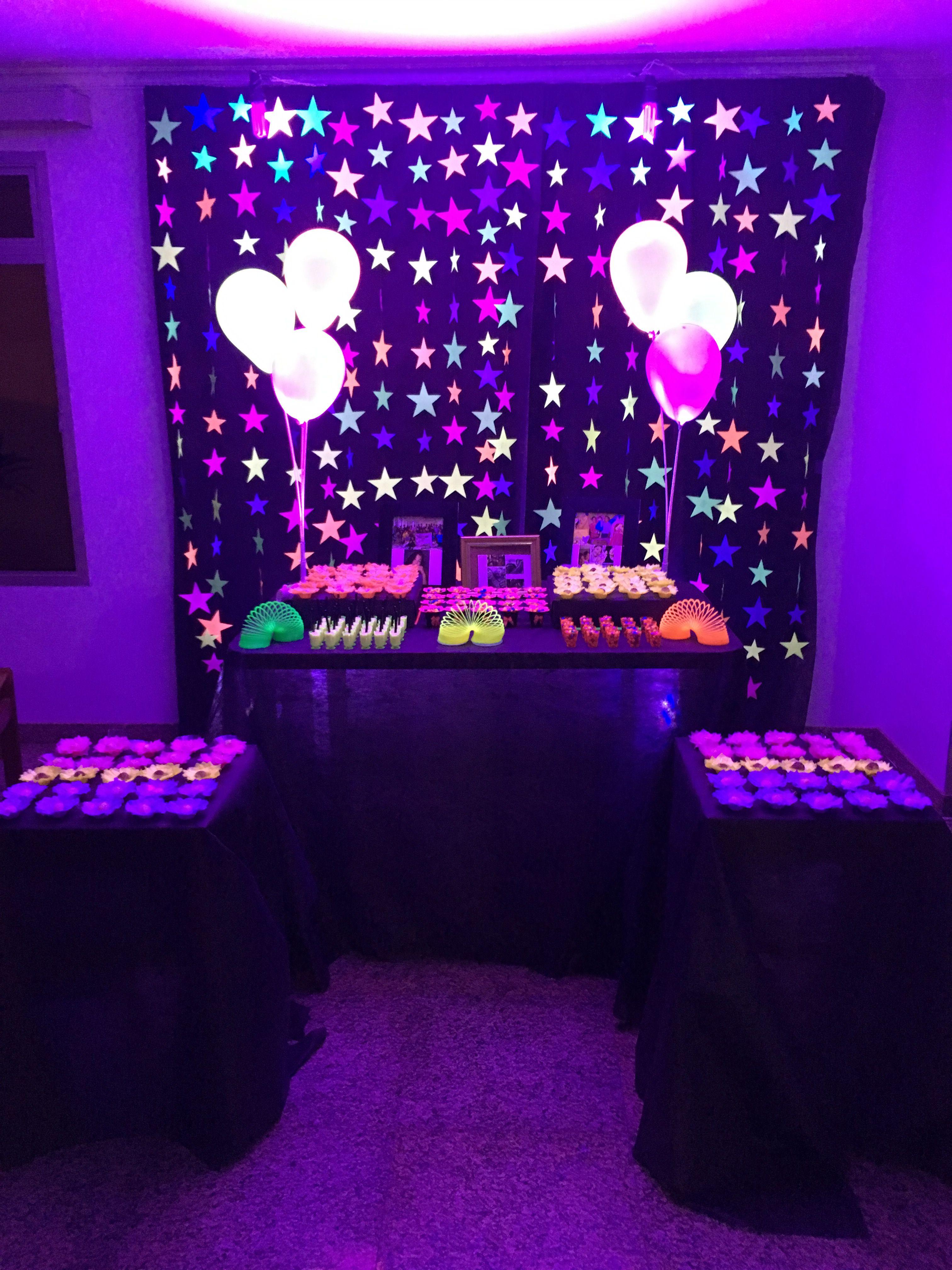 Sweet 16 Glow Party Idea Festa Neon Decoracao De Festa Neon
