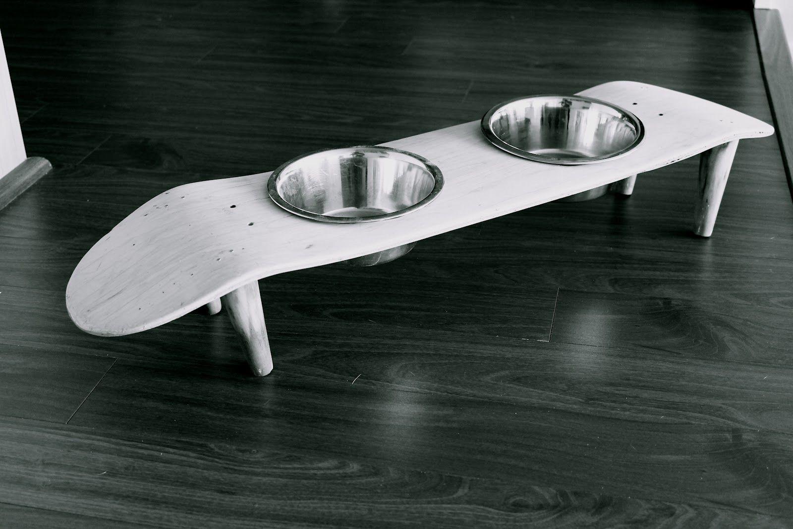 No bote el el skate viejo! Mejor transfórmelo en un excelente comedor para su perro o gato.