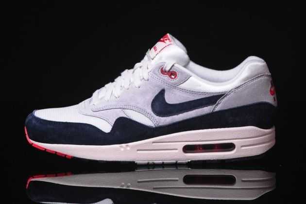 Nike Air Max 1 OG Vintage SailDark Obsidian Neutral Grey