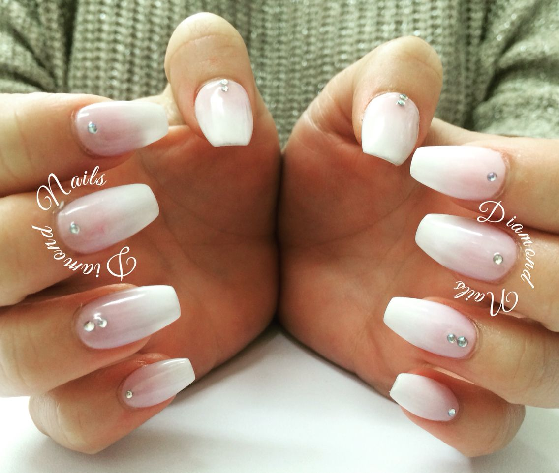 Baby boomers acrylic nails pink & white ombré. Not polish ...