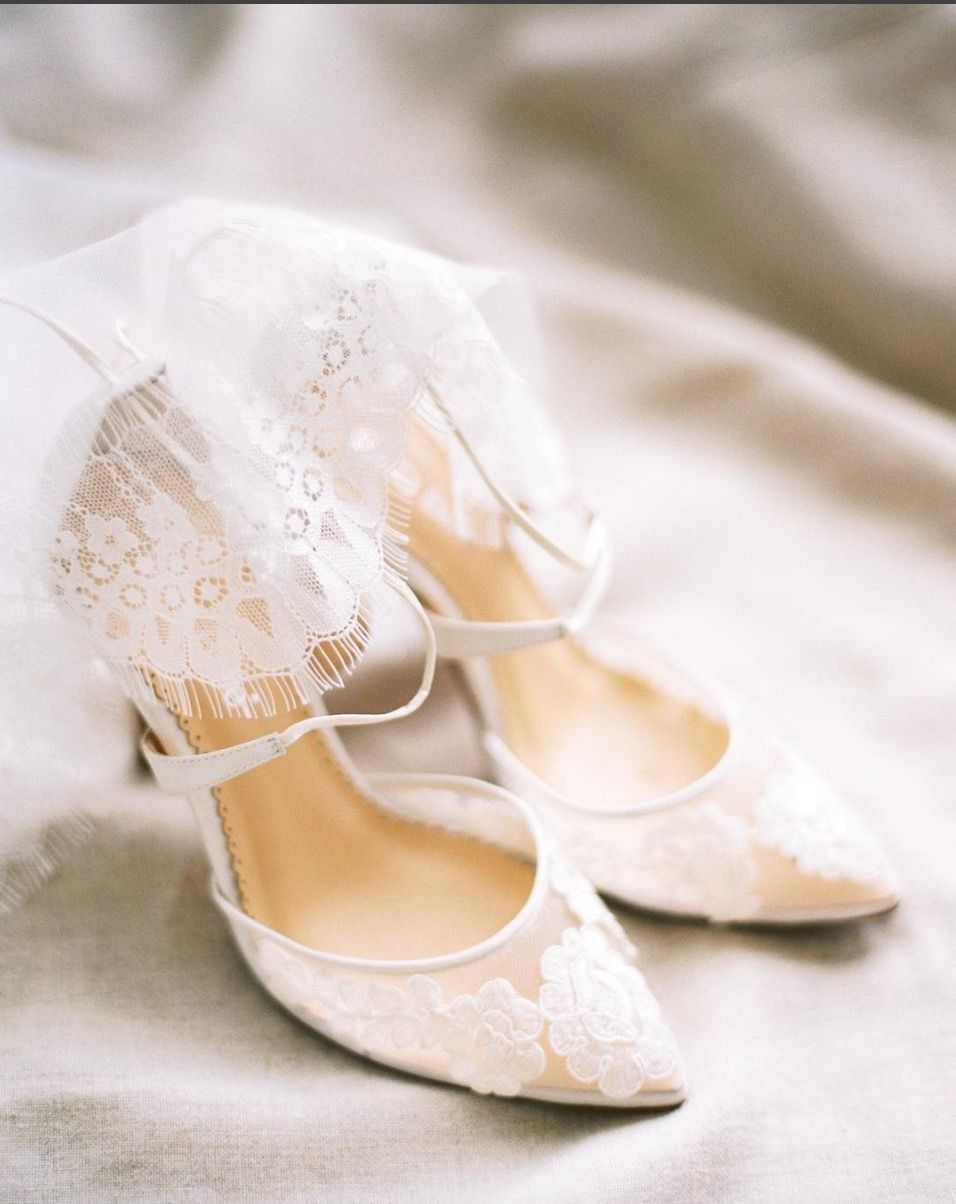 Ivory Lace Wedding Shoes In 2020 Wedding Shoes Lace Wedding Shoes Ivory Wedding Shoes