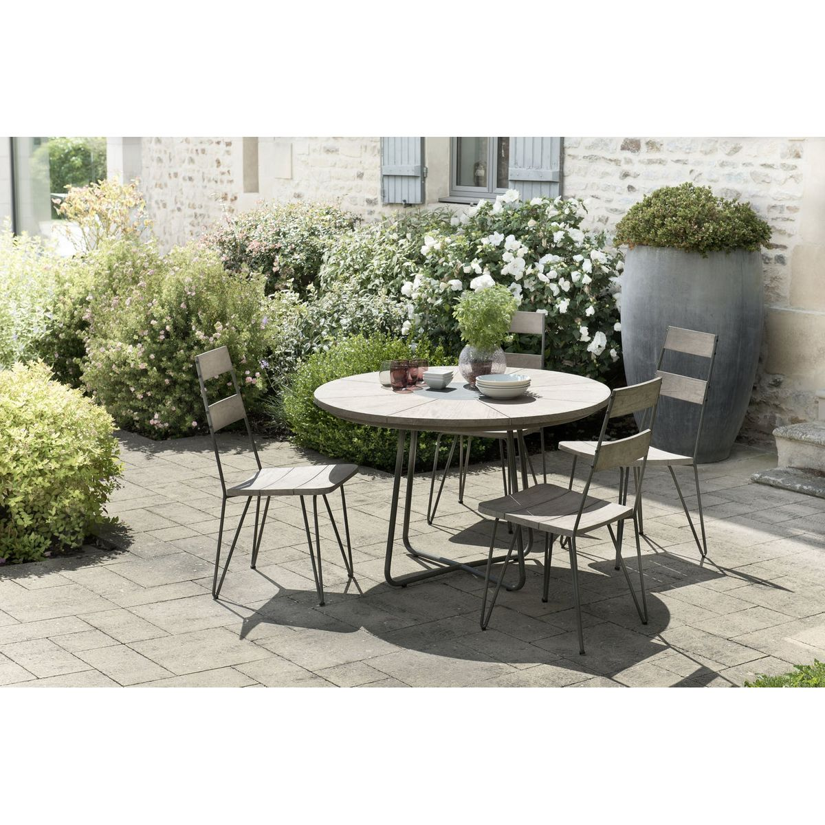 Salon de Jardin Teck Table D120 + 4 chaises DETROIT ref. 30020826 in ...