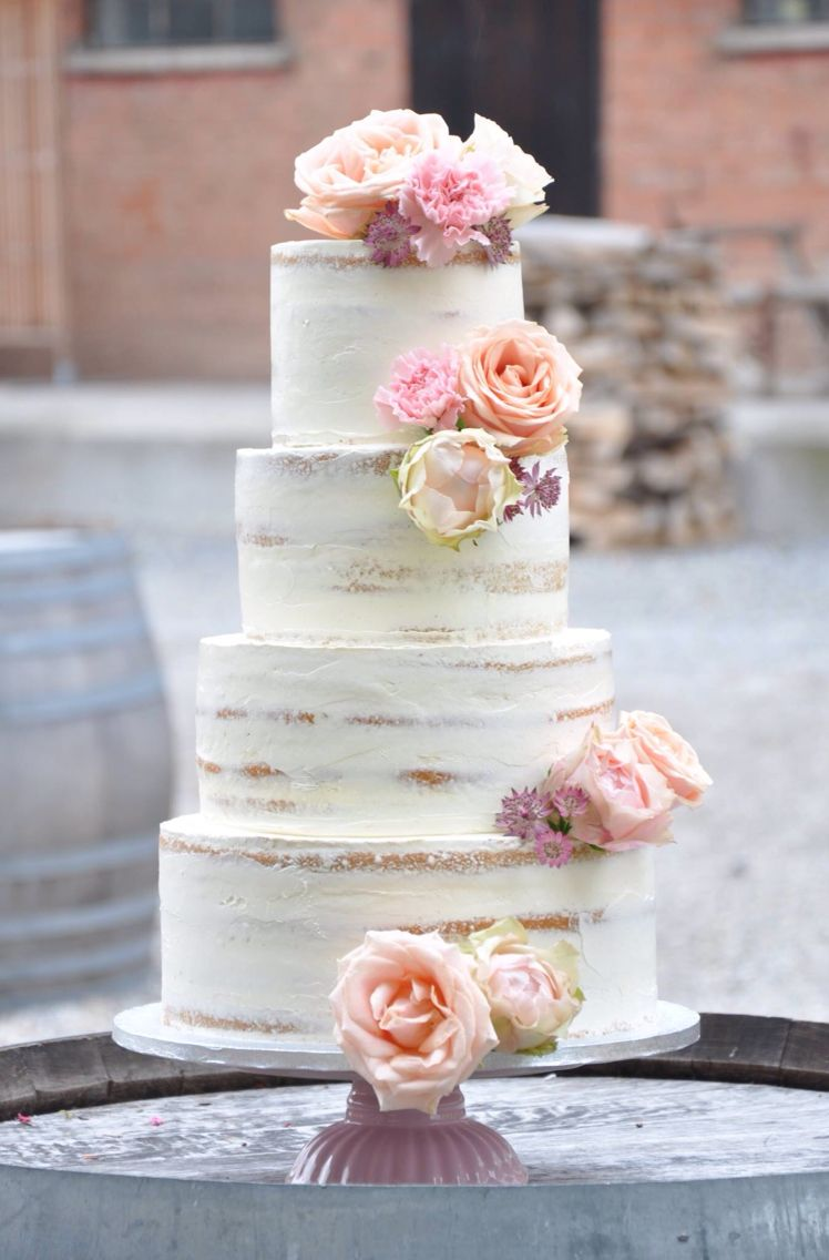 Semi-naked wedding cake by naschwerk&co