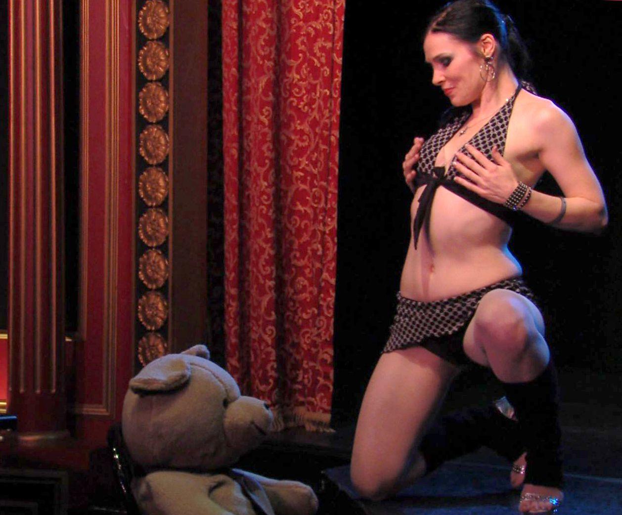 Striptease video