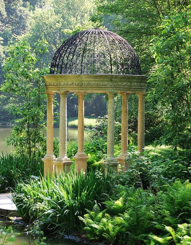 593165f254bbcb6cb0d5b95db021458f - Shrek The Halls Auburn Botanic Gardens