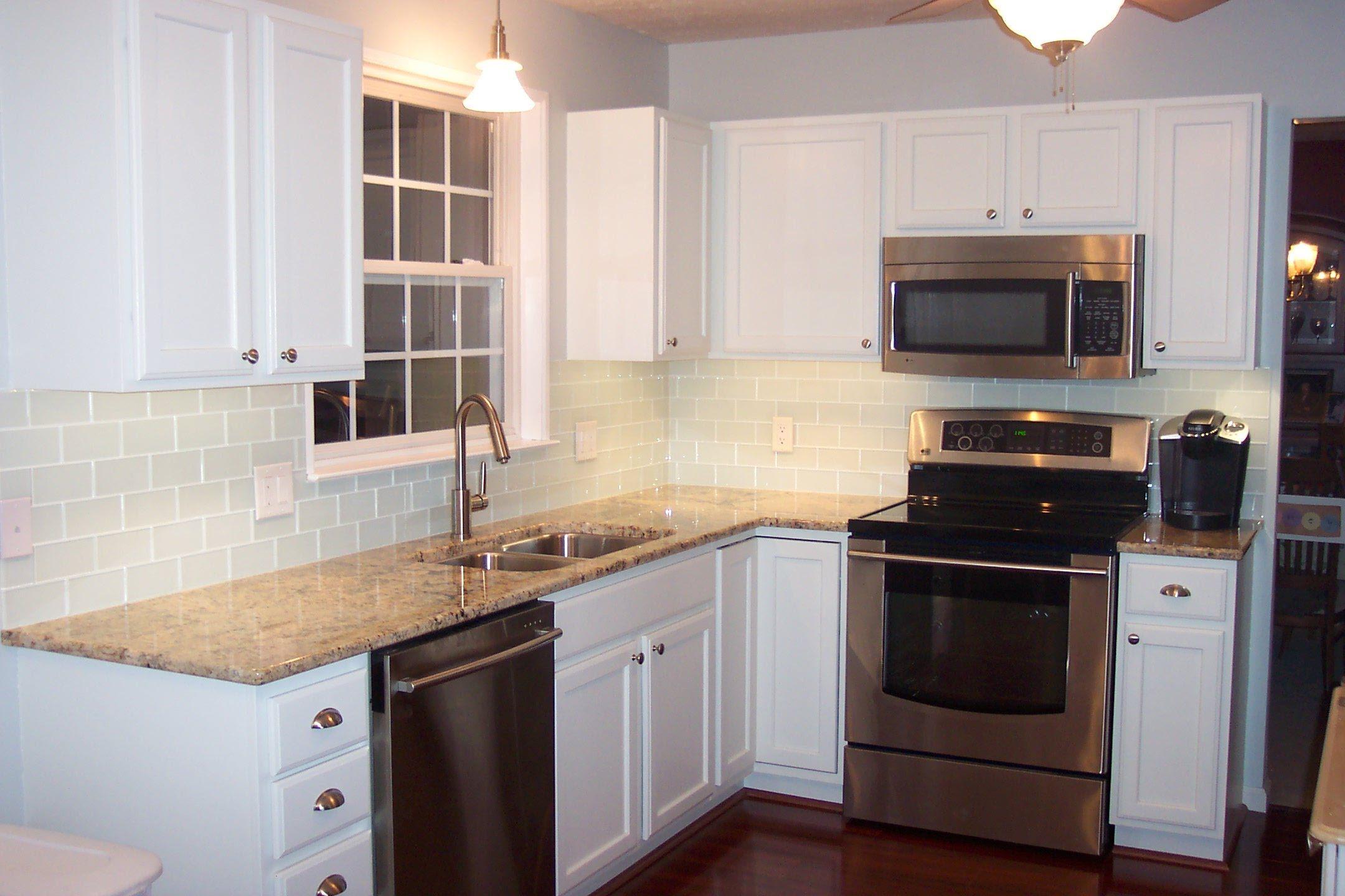 White Ceramic Subway Tile Backsplash Feat Brown Granite Countertop Kitchen Design Small Kitchen Layout Kitchen Cabinet Design