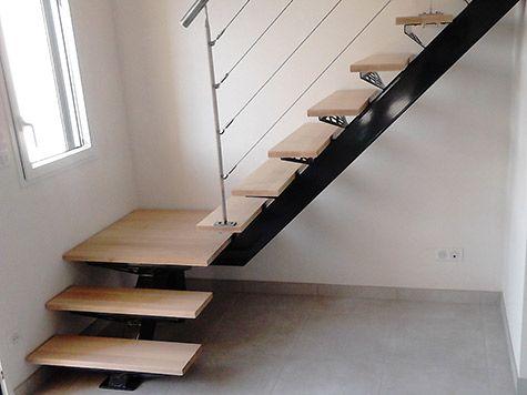 escalier avec limon central et garde coprs inox maison. Black Bedroom Furniture Sets. Home Design Ideas