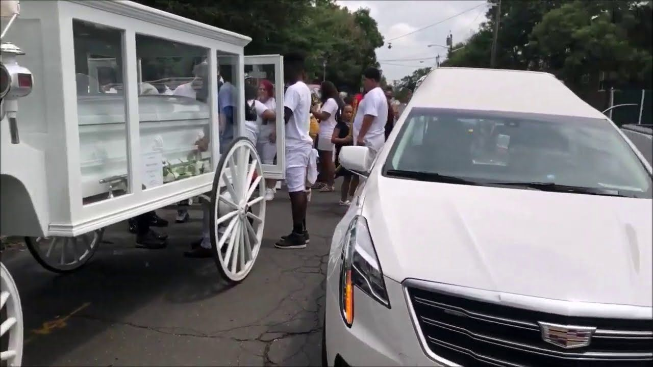 Horse Drawn Hearse for Funeral In Camden NJ with May
