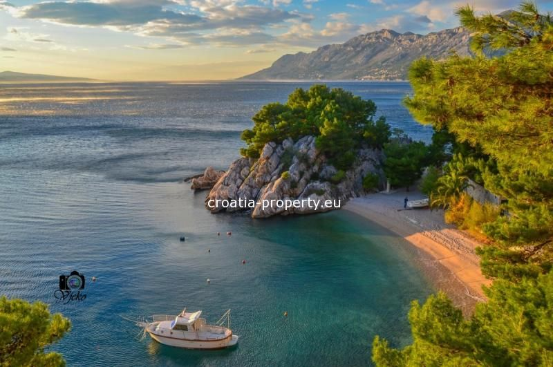 Seafront apartment in Brela for sale | Croatia, Luxury ...
