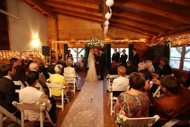 Kentucky cabin weddings kentucky wedding venue and for Cabin wedding venues