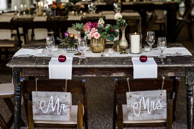 A rustic summer berry hued Nashville wedding | Nyk + Cali, Wedding Photographers: http://www.nykandcali.com