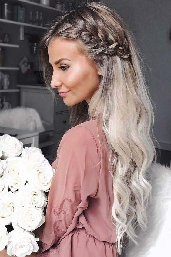 Prachtige bruiloft kapsel en bruidsmeisje kapsels  # downhairstyles #hairstylesforwomenlong #loosecurlshairstyles #beachhairstyles - New Site