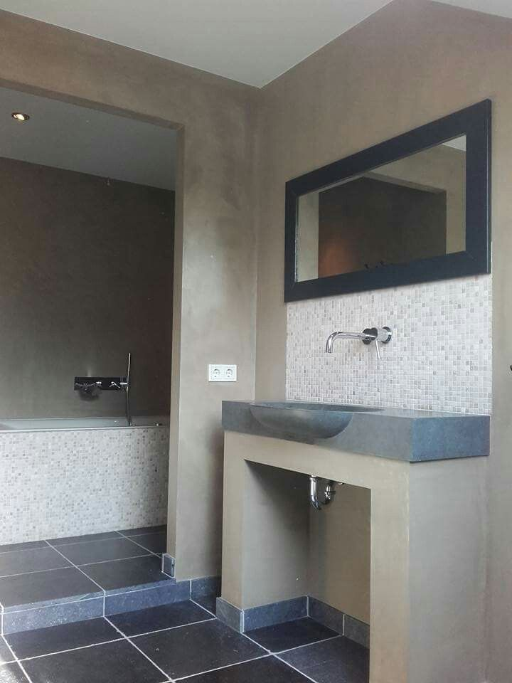 Gestucte badkamer afgewerkt met met Frescolori Puramente ...