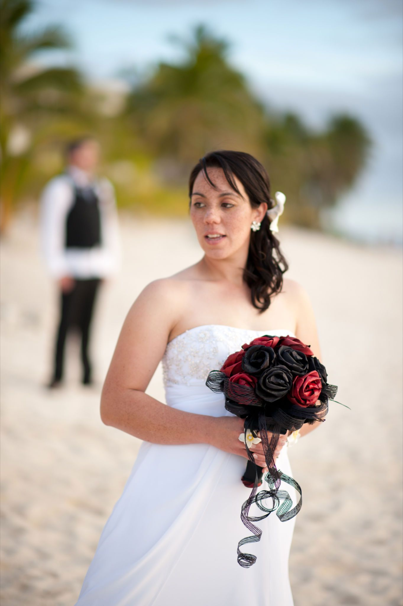 Flax flower bouquet by artiflax wedding took place in rarotonga