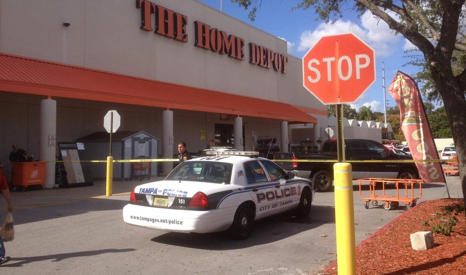 Parking Dispute Sparks Shooting At Home Depot Tampa Police Police Officer
