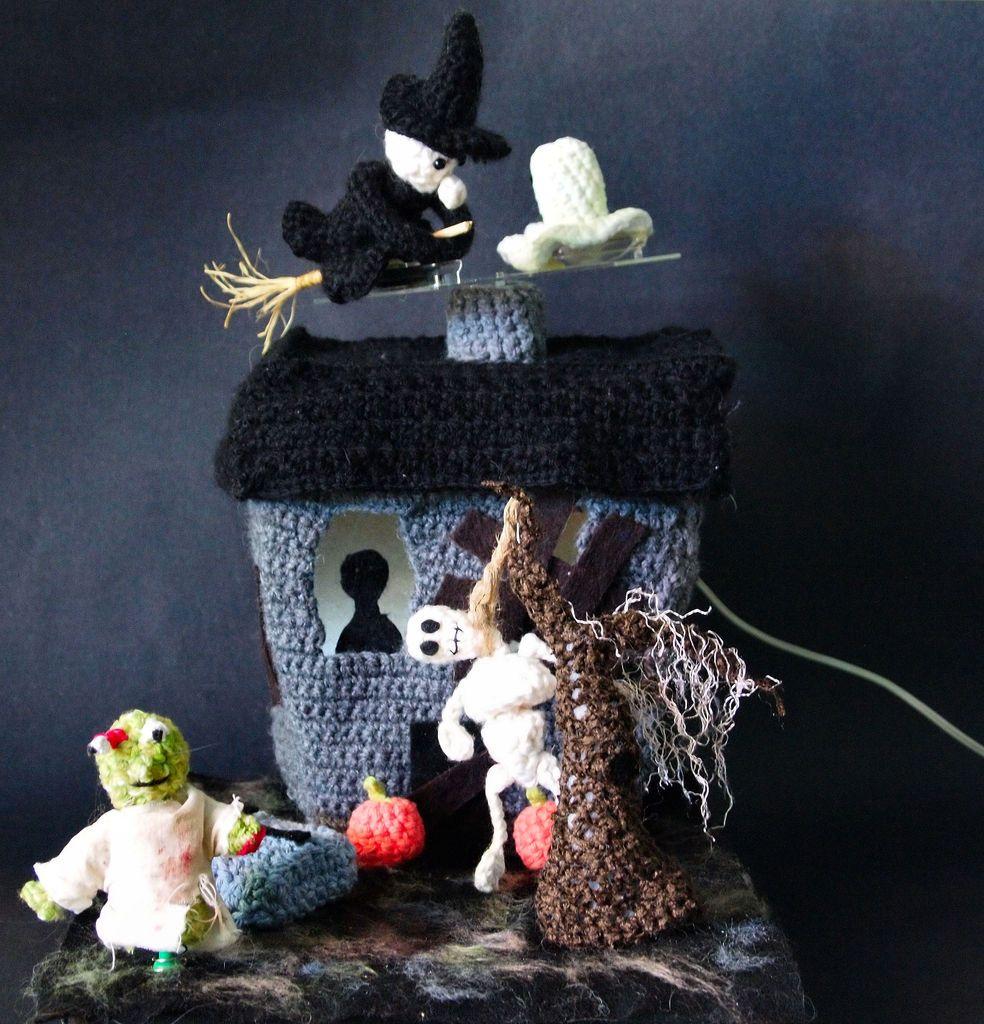 Crochet Haunted House Amigurumi Halloween