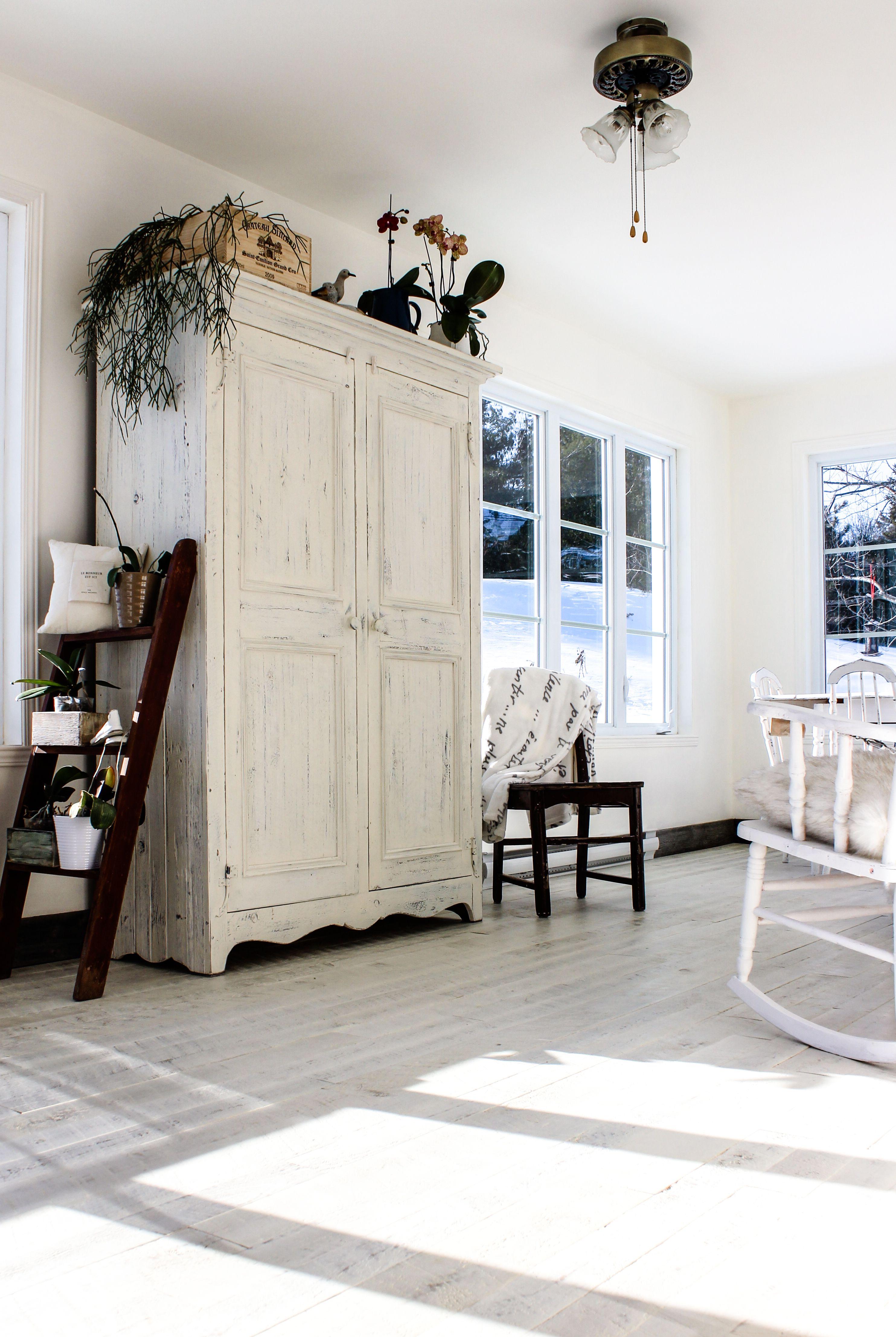 Plancher Pin Rustique Peinture De Lait Blanc White Pine Wood Floor