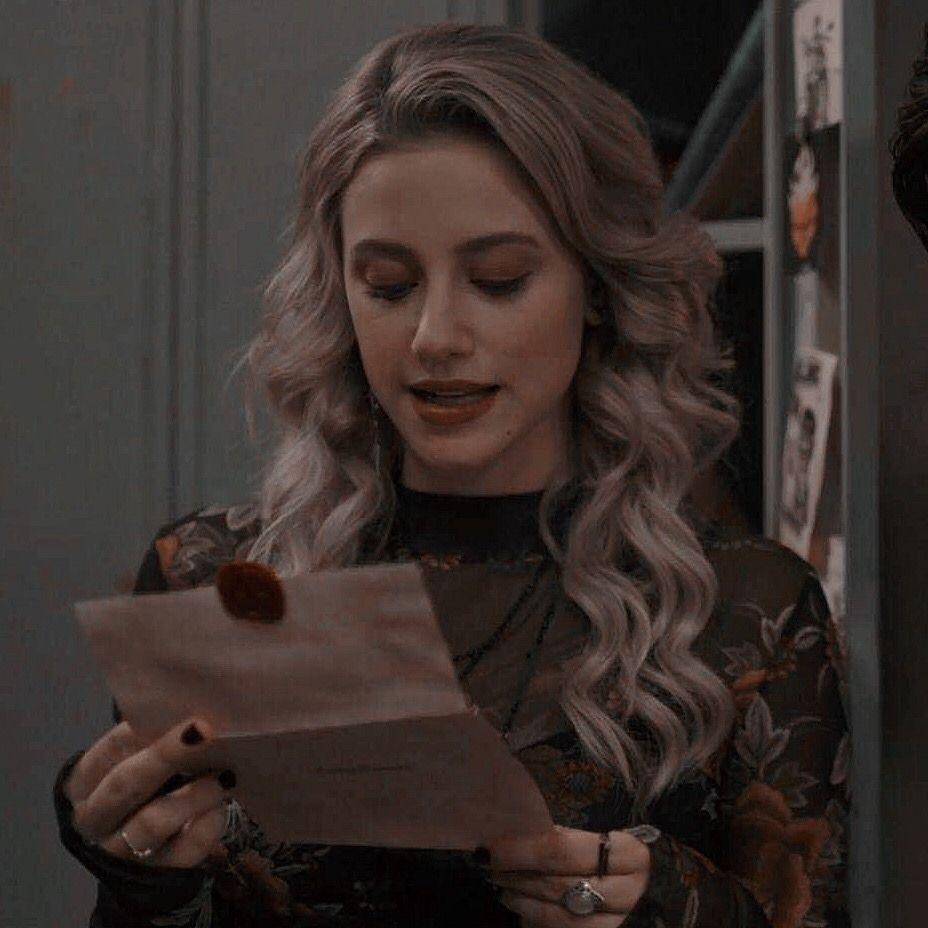 Sabrina Icons Headers Lockscreens Spoiler Alert Like Or Reblog If Save In 2020 Riverdale Betty Betty Cooper Riverdale Betty And Jughead