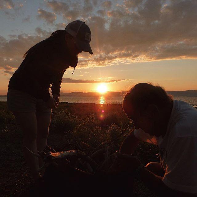 The first fishermen of my life. Luv u dad❤️. #flyfishing #fishing #dad #flyfishingjunkie #womenwhofish #nature #explore #River #sunset #family #flyfishingflygirls #canada #quebec #peche #pechealamouche #flyfishingphotography #photo #naturephotography #familytime #canadianflyfishing