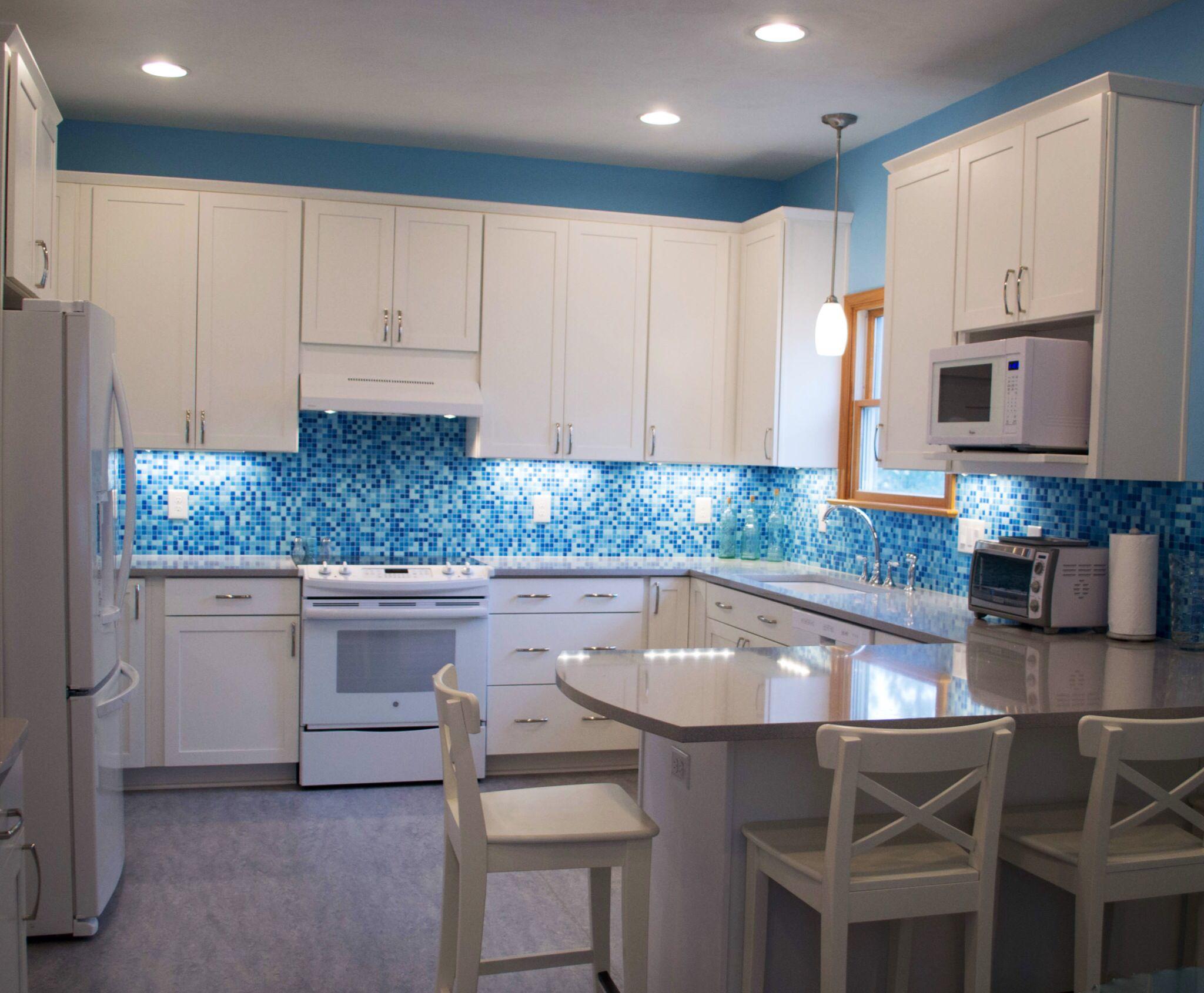 Brio glass mosaic tile kitchen backsplash. Cool Pool blend In stock ...