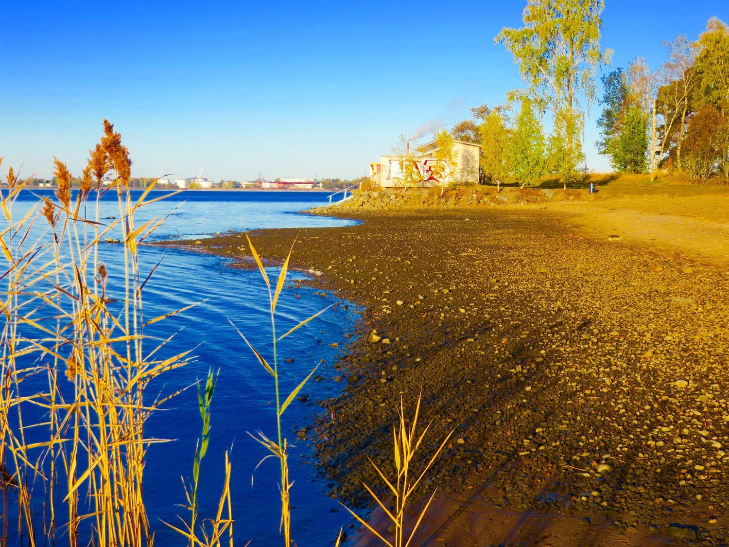 Water is low of the lake in Vaasa Finland /yle.fi