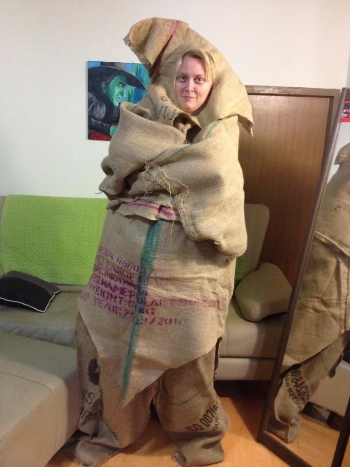 Oogie Boogie costume made by me out of burlap sacks. | nightmare ...