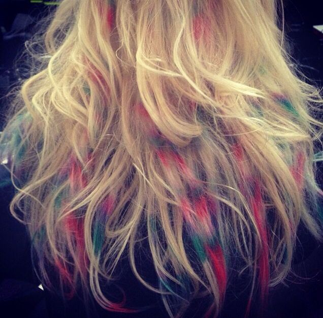 #hairchalk we love these rainbow colours!