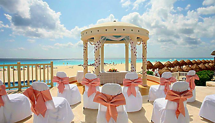 Overlooking The Caribbean Sea Of Cancun Golden Parnassus Offers Wedding Ceremonies At Our Gazebo