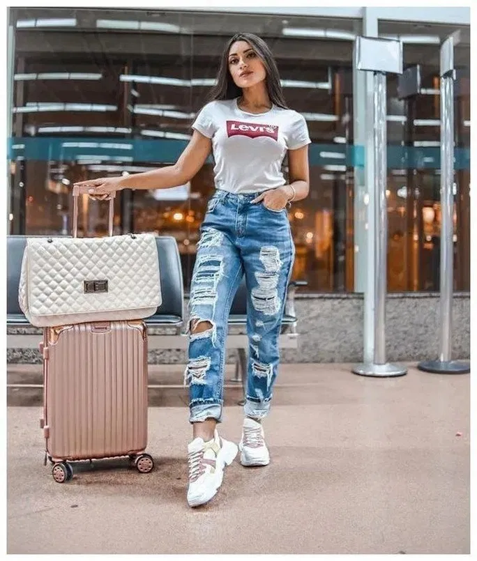 150 Most Popular Outfits Ideas With Ripped Jeans For Summer 39 My Easy Cookings Me Popular Outfits Airport Outfit Fashion Outfits