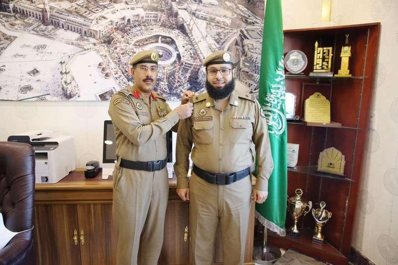 نايف الهباش رائدا بالقوة الخاصة لأمن المسجد الحرام Http Mnaspat Com 3451 مناسبات ترقيات وتخرج Lab Coat Fashion Coat