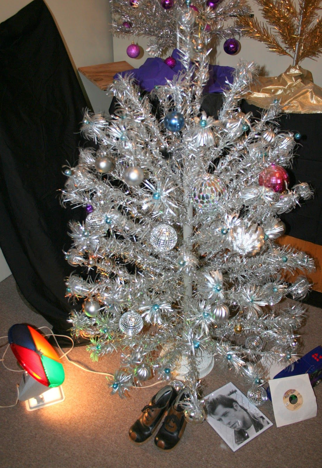 Foil Christmas Tree.Foil Christmas Tree With Color Wheel Bowling Alley