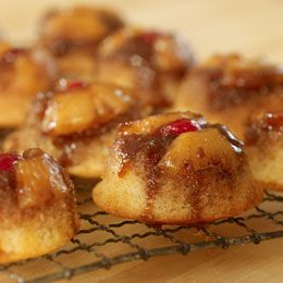 Mini pineapple upside down cakes. To do in the pan I'm pinning next.