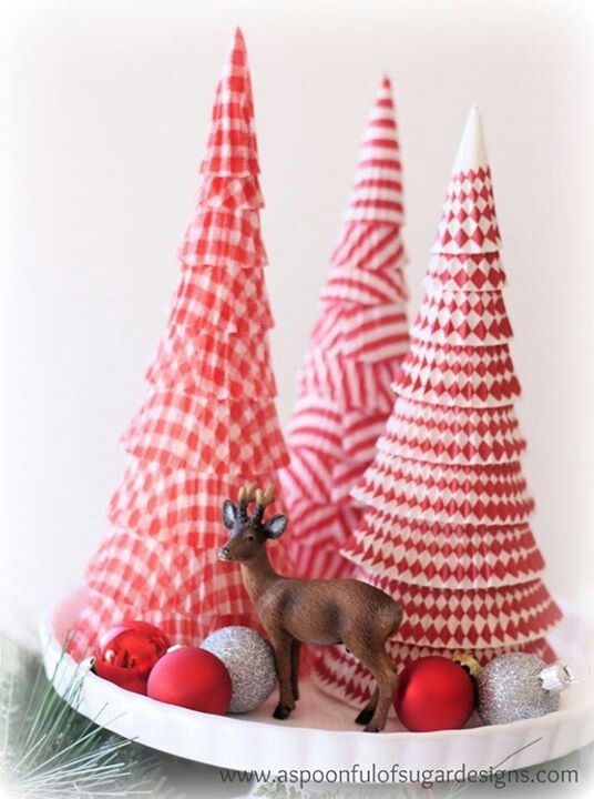 Christmas Table Top  - Paper Christmas Trees - Christmas Homemade Gift Ideas - #christmas #christmastrees #paperart