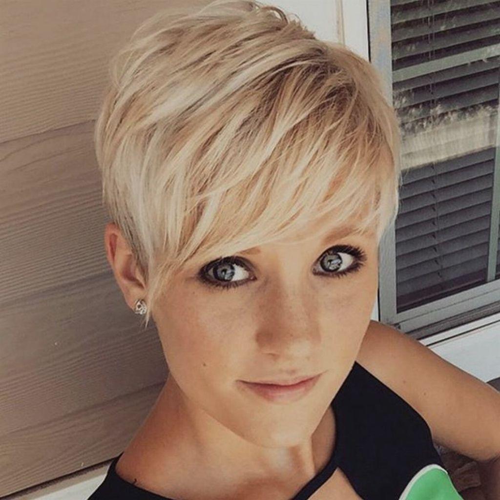 Wunderbar Kurzhaarfrisuren Damen Blond 2018 Brille Die