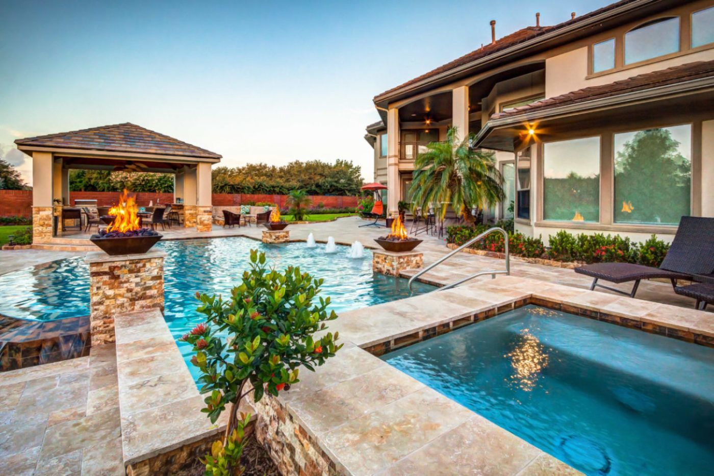 Custom Swimming Pools Priced Over 100k Outdoor Kitchen Appliances Outdoor Kitchen Outdoor Kitchen Decor