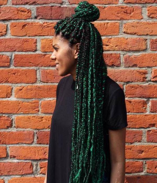 18++ Green box braids on dark skin trends