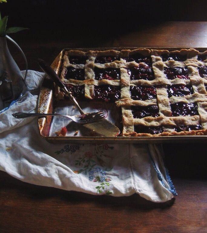 Cherry Slab Pie   une gamine dans la cuisine (With images ...