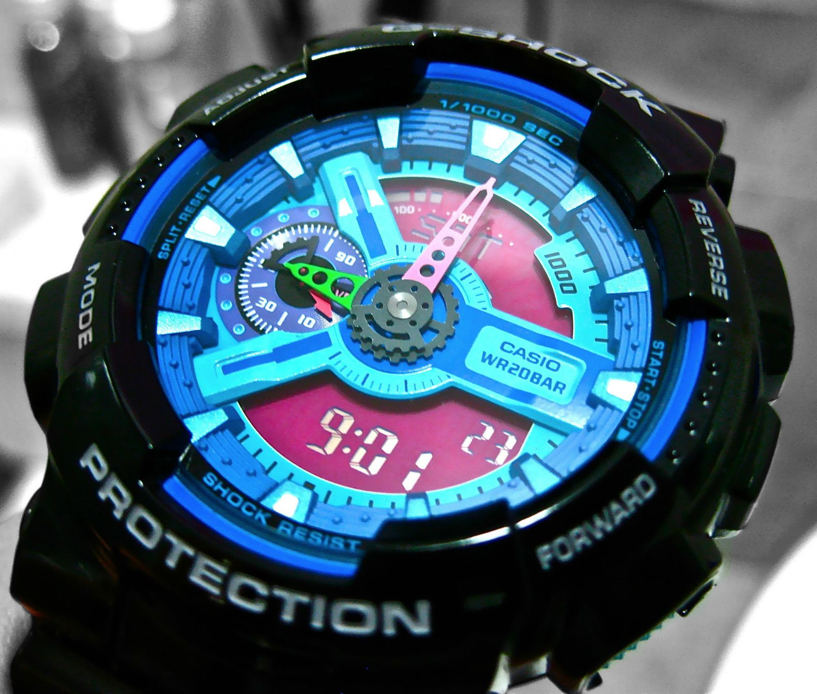 ded044ef8f1 Ultra Rare Casio G-Shock GA110 Hyper Colors Blue   Pink Limited Edition