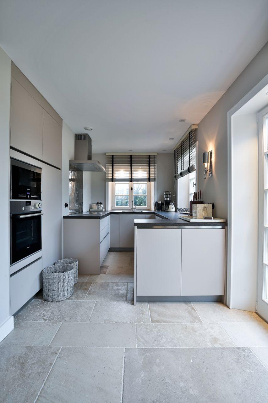 Schöner Limestone für eine einzigartige Küche