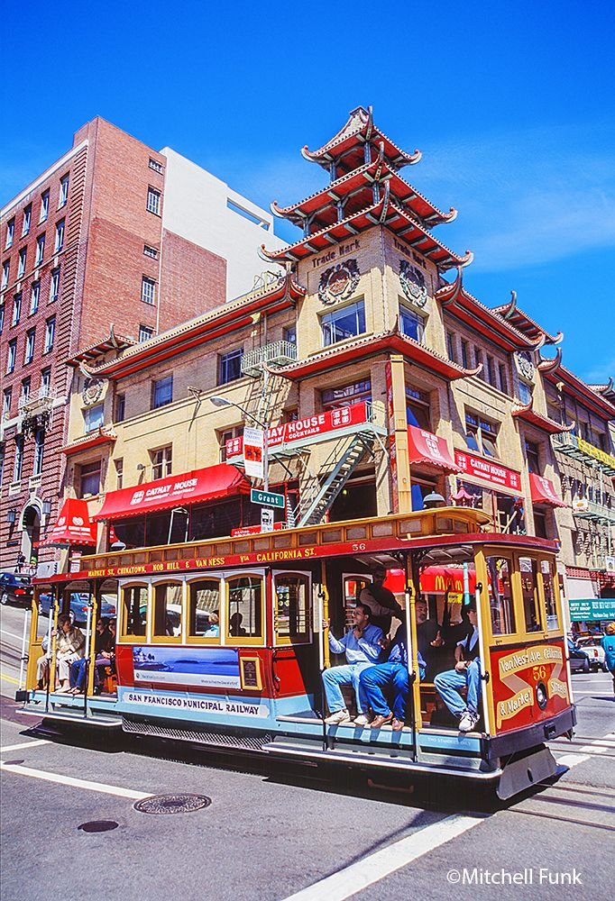 Cable Car In Chinatown San Francisco Www Mitchellfunk Com With