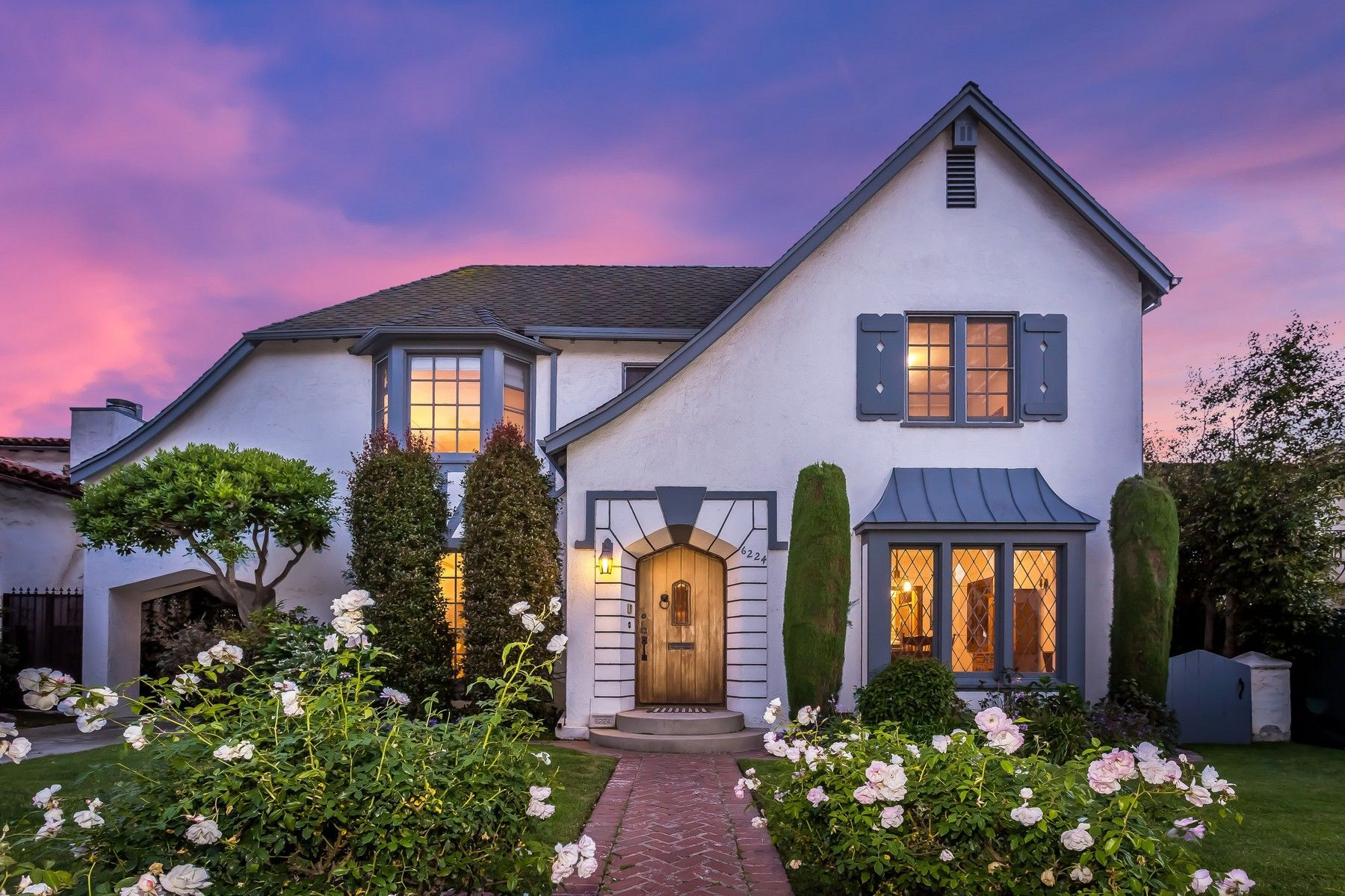 Your Home Is Your Castle Six Classic Tudor Inspired Homes Tudor Style Homes Inspired Homes Tudor Style