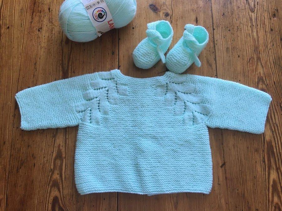 e292f39e4 Un precioso jersey de bebé tejido a dos agujas