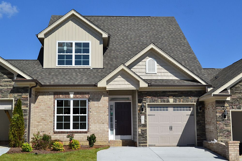The Devon Has Been Redesigned The 2030 Square Feet Town Home Has Lots Of Room Keystone Homes Piedmont Triad North Carolina Keystone Homes New Homes Home
