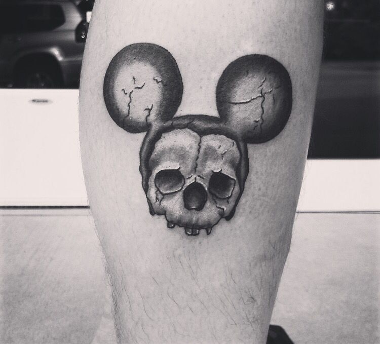 mickey mouse skull tattoo tattoo pinterest tattoo mickey mouse tattoos and tatoos. Black Bedroom Furniture Sets. Home Design Ideas