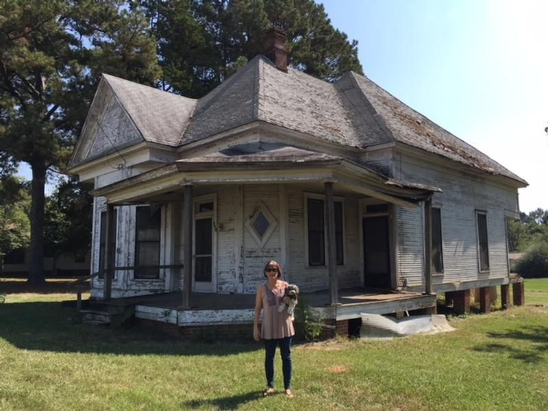 1908 Victorian In Waldo Arkansas Oldhouses Com House In The Woods Old Houses For Sale Little Dream Home